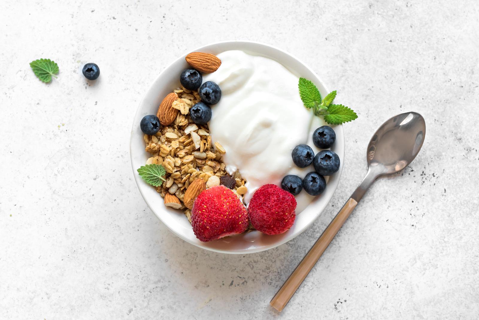 Yogurt e fiocchi d'avena: la colazione perfetta!